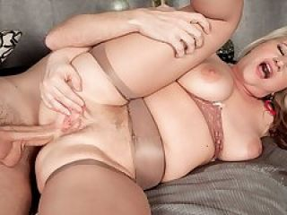 milfsexmaturemom.com